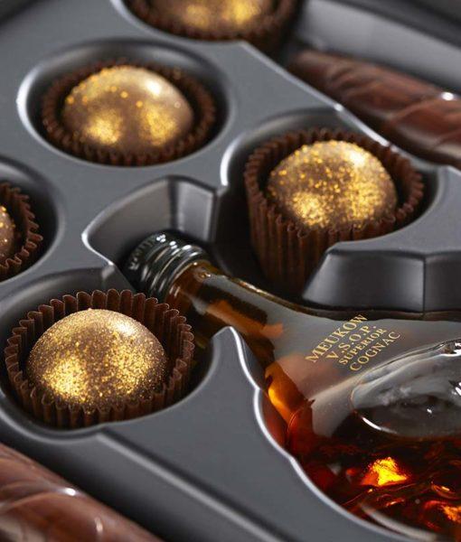 Čokoladne cigare in čokoladne praline s konjakom - notranjost