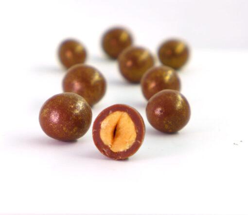 Čokoladni dražeji - Obliti lešniki z medeno čokolado